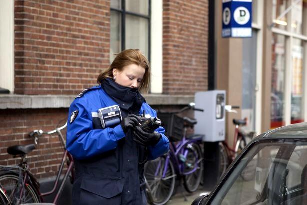 bekeuren -parkeren